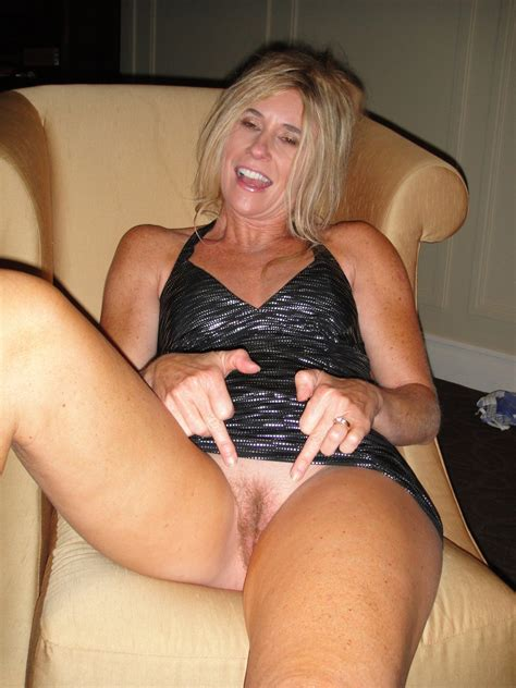 Hairy Amateur Mature Blonde Milf Wearing Wedding Ring