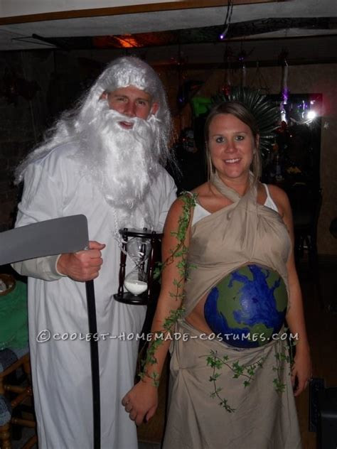 awesome halloween costumes pregnant couples babypreppingcom