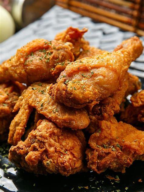 Ayamnya yang diolah lembut dan diramu dengan bumbu pilihan, mampu menimbulkan sensasi kenikmatan kuliner yang. Resep Ayam Goreng Sederhana Bumbu Ketumbar Kunyit - Lifestyle Fimela.com