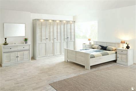 ensemble chambre coucher merida bois blanc vieilli ensemble chambre a coucher