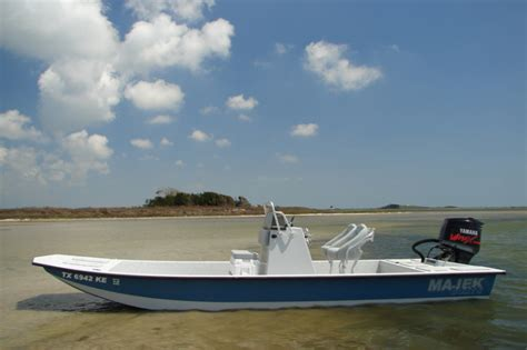 Used Majek Bay Boats For Sale by Research 2014 Majek Boats 25ft Redfish On Iboats