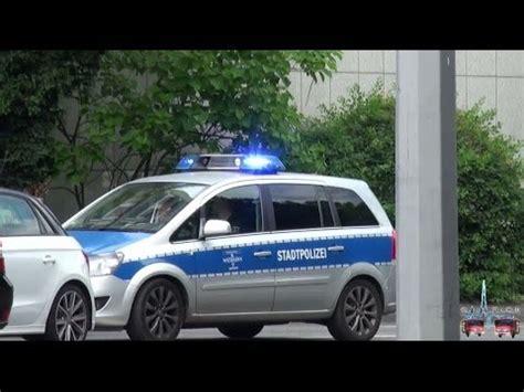 Sportwagenfahrer Ueber Die Polizei by Fustw Der Stadtpolizei Ordnungsamt Wiesbaden Will Auto