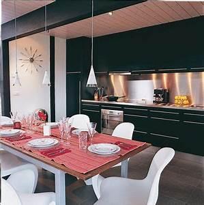 7 cuisines noires qui vont vous faire aimer le noir cote With quelle couleur va avec le taupe 7 aide pour choix de couleur peinture des murs de cuisine