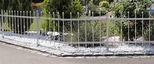 Metallzaun Selber Bauen : gartenz une aus metall langlebig und preiswert ~ Whattoseeinmadrid.com Haus und Dekorationen