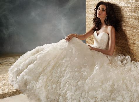 Tips For Winter Wedding Dress