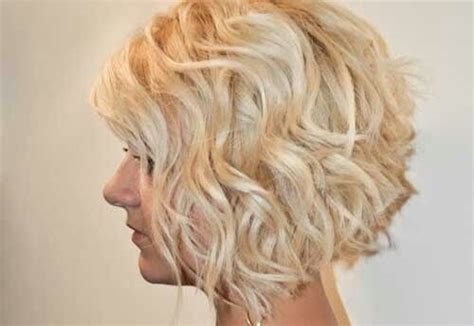 12 Stylish Bob Hairstyles For Wavy Hair
