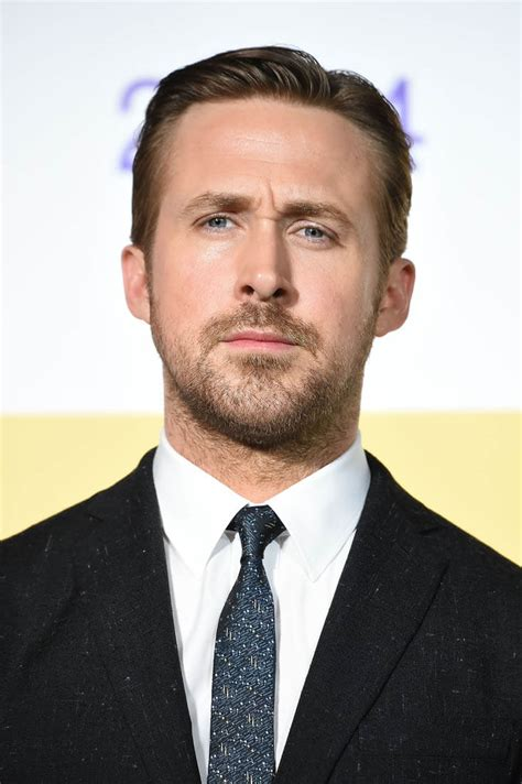 Ryan Gosling promotes La La Land in Japan as reaction