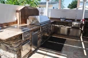 outdoor kitchen and bbq setting designer island ny