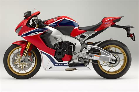 honda cbr 2017 honda cbr1000rr sp review the rr is back video