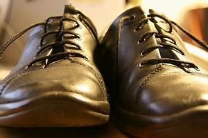 Cirer Des Chaussures : cirer des chaussures dossier ~ Dode.kayakingforconservation.com Idées de Décoration