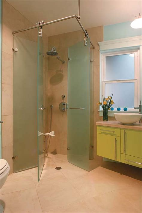 fitting  shower   small bath floorplan fine