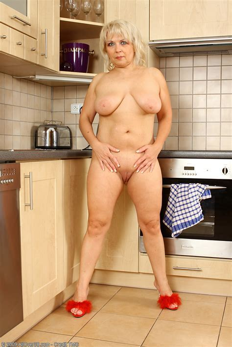 Sexy Year Old Czech Granny Shows Off Her Kitchen Skills Nude Pichunter