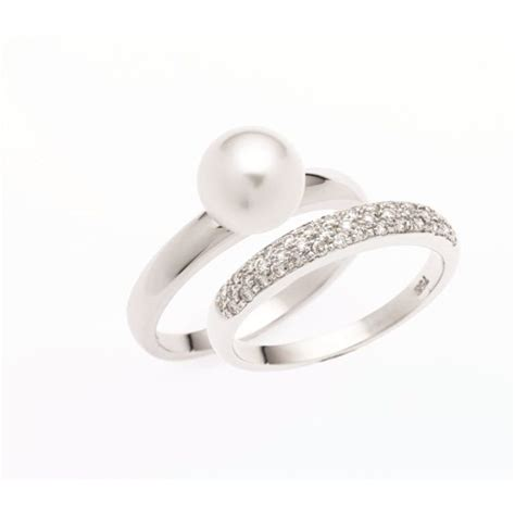 pearl engagement ring wedding band this is