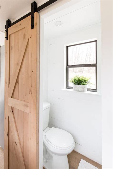 Tiny Bathrooms Ideas by Best 25 Tiny Half Bath Ideas On Small Half