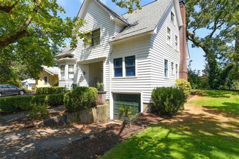 "Bella Swan's ""twilight"" House Is On Sale"