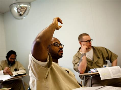 evaluating  effectiveness  correctional education