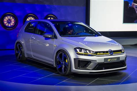 Vw Golf R400 Concept Does 0 62 In Under 4 Seconds