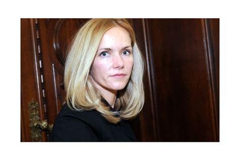 Neatkarīgā deputāte Elīna Siliņa:Tikai ļoti sarežģītā ...