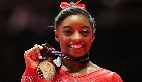 Simone Biles the Story Courage to Soar