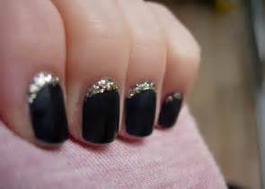 Black and silver simple nail designs