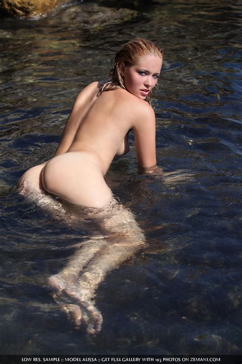 alissa white goes nude swimming sexy gallery full photo 79306