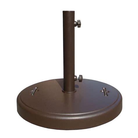 lbs brown patio umbrella base  hidden wheels