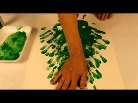 bricolage noel sapin avec peinture 224 doigt