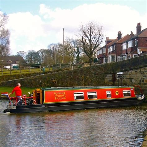 Canal Boat Cheshire cheshire cat narrowboat hire claymoore canal holidays