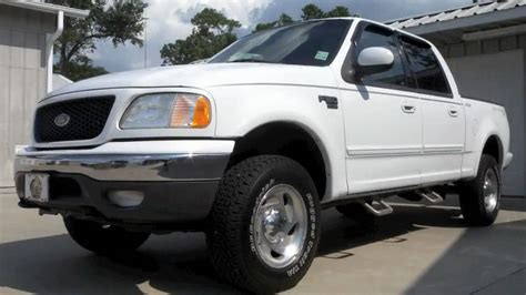 sold  ford  supercrew lariat   select