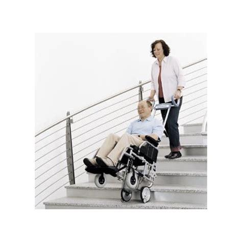 fauteuil pour monter les escaliers scalamobil monte escaliers