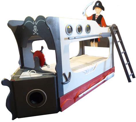 chambre pirate cuisine lit pirate superposã chambre d enfant de bã bã