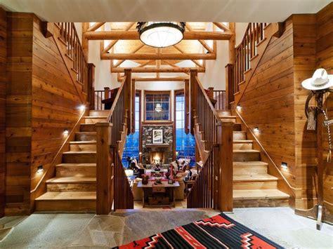 Deco Interieur Chalet Bois D 233 Co Style Chalet Moderne Cr 233 Ez Une Cabane Cosy Dans L