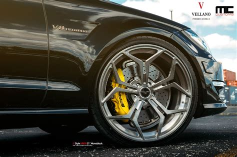 Mercedes-Benz CLS 63 AMG Photos and Specs - Cars One Love