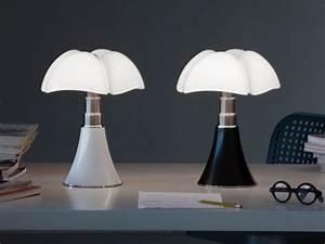 Lampe Italienne Pipistrello : la lampe pipistrello a 50 ans et pas une ride ~ Farleysfitness.com Idées de Décoration