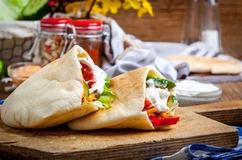 Pita Sandwich, How to Make Sandwichs   Bachelor Recipe