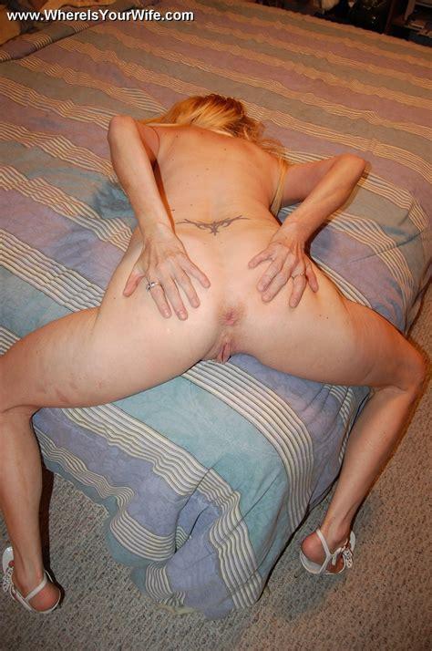Mature blonde mama taking of her tight blac - XXX Dessert ...
