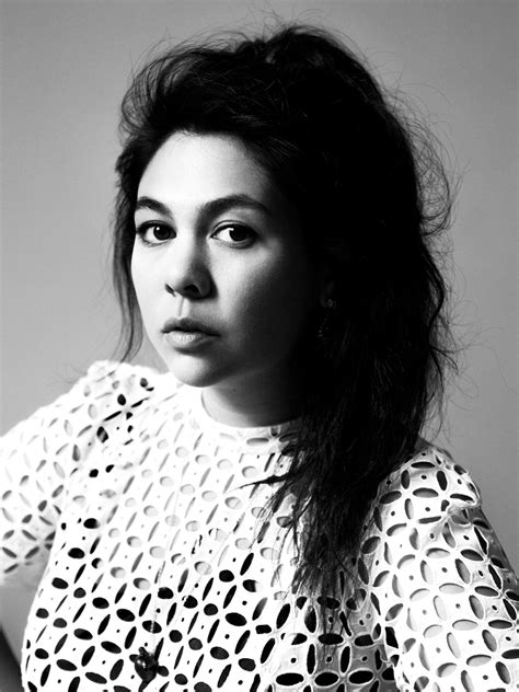 Can fashion designer Simone Rocha match her father John's