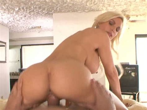 Fabulous Busty Blonde Milf Diamond Foxxx Rides On Top On Pov Video
