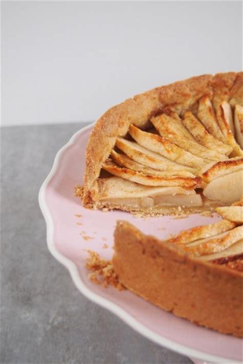 tarte aux pommes avec une pate sablee tarte aux pommes 224 la vanille avec la pate sabl 233 e de ma grand m 232 re dans ma cuisine