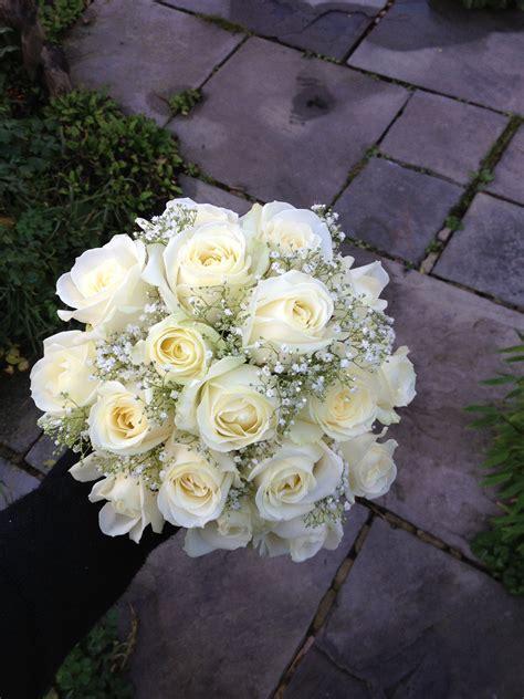 bride bridesmaids bouquets wedding flowers
