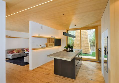 Moderne Küche Im Alpenstil Mit Viel Holz Und Licht, Dazu