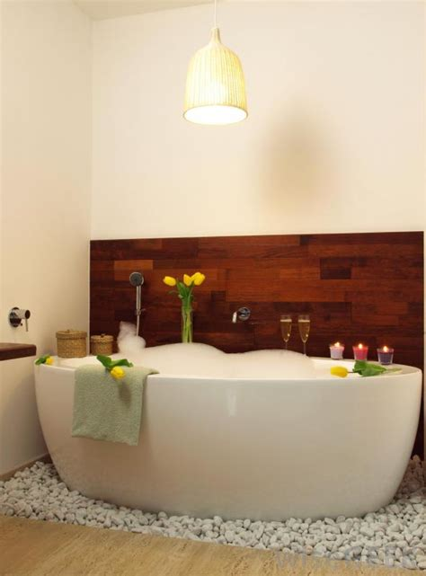 bath tub images what is a soaking bathtub with pictures