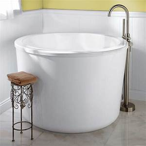 Japanese, Soaking, Tub, Small, Give, The, Asian, Accent, In, Your, Small, Modern, Bathroom, U2013, Homesfeed