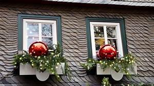 Wie Putze Ich Fenster Optimal : mini weihnachtsbaum als fensterdekoration ~ Markanthonyermac.com Haus und Dekorationen