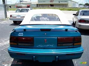 1994 Pontiac Sunbird Le Convertible In Brilliant Blue