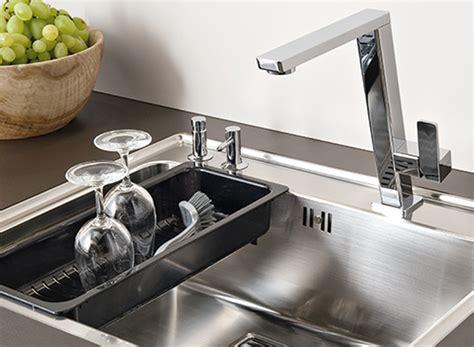 robinet avec douchette pour cuisine les éviers et mitigeurs