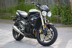 Street Triple 675 : file triumph street triple 675 rear right threequarter wikimedia commons ~ Medecine-chirurgie-esthetiques.com Avis de Voitures