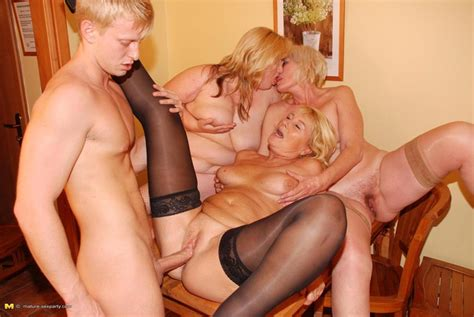 lucky dude fucking and cumshoting three blonde mature ladies pichunter