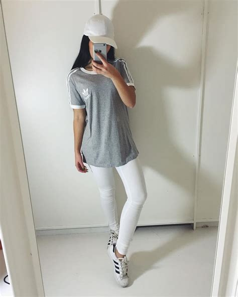 Girl fashion outfit style clothes hair lips eyes beauty ...