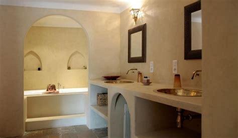 enduit chaux salle de bain la salle de bains en b 233 ton cir 233